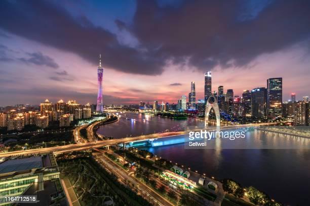 night view of guangzhou - paro stock-fotos und bilder