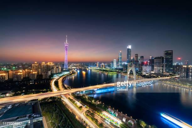 night view of guangzhou - província de guangdong - fotografias e filmes do acervo