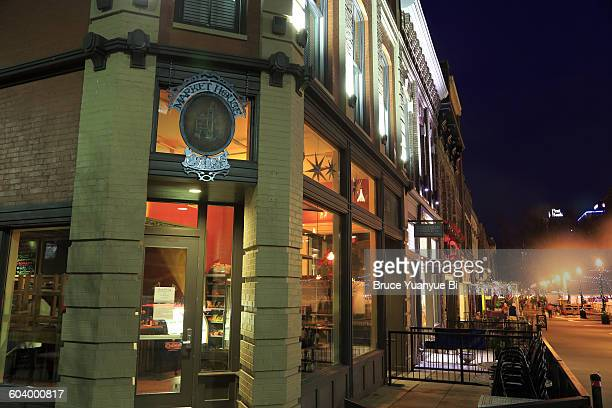 night view of market square - knoxville tennessee stock pictures, royalty-free photos & images