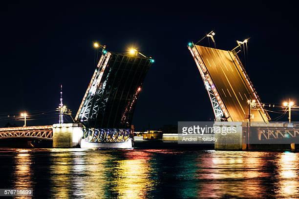 Night view of Palace Bridge, Saint Petersburg