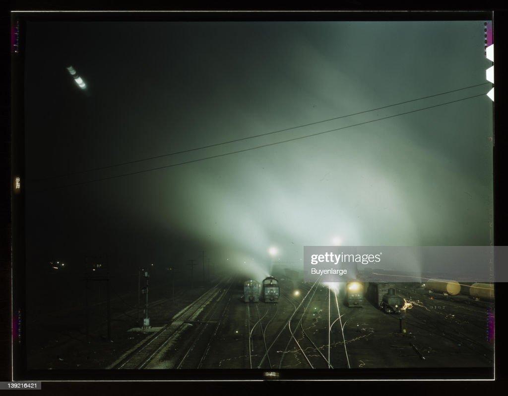 Night View Of Part Of Santa Fe Railroad Yard : ニュース写真