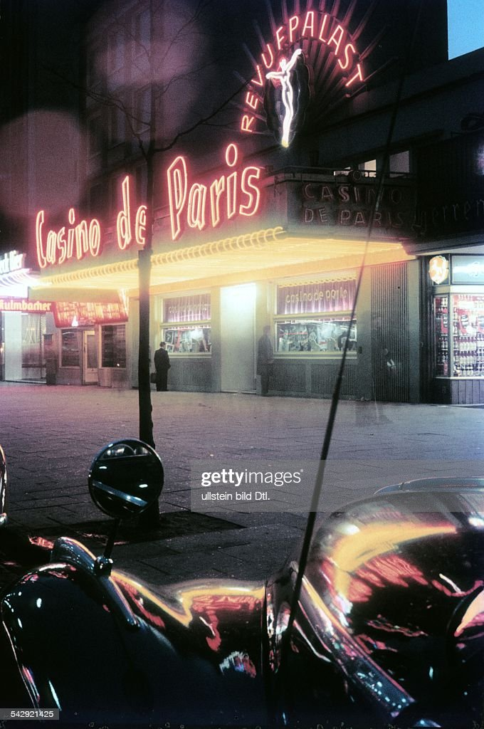 Classic Images Of Paris By Night
