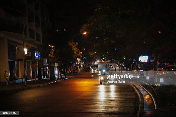 night view of the city of cordoba, argentina - andres ruffo stock photos and pictures