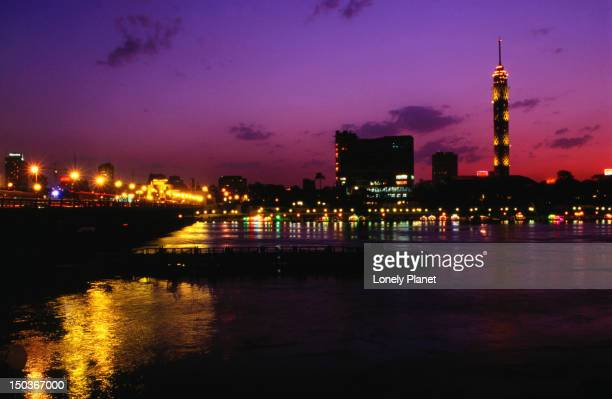 night view of the city tower and zamalek area - cairo - zamalek photos et images de collection