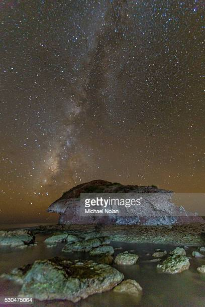 night view of the milky way from himalaya beach, sonora, mexico, north america - planchas_de_plata,_sonora stock pictures, royalty-free photos & images