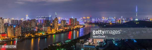 night view of wuhan city, hankou, hubei - wuhan photos et images de collection