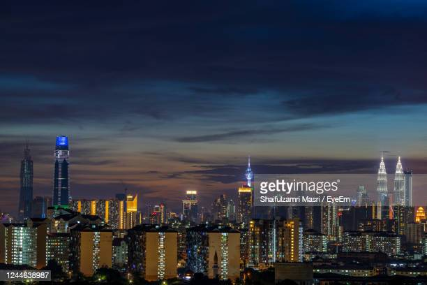 night view over down town kuala lumpur, malaysia - shaifulzamri stock pictures, royalty-free photos & images