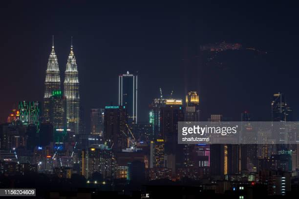 night view  over downtown kuala lumpur, malaysia. - shaifulzamri fotografías e imágenes de stock