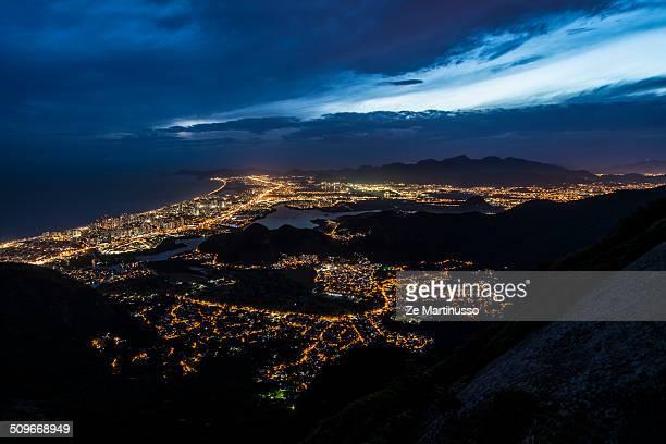 nightfall - バーラ地区 ストックフォトと画像