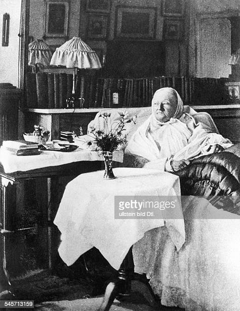 Nightingale, Florence - Nurse, Writer, UK - Portrait in her apartment in London, South Street - 1906