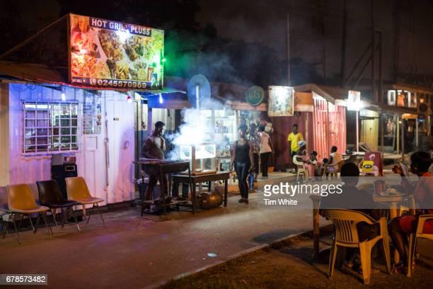 nightlife, accra, ghana, africa - ghana africa fotografías e imágenes de stock