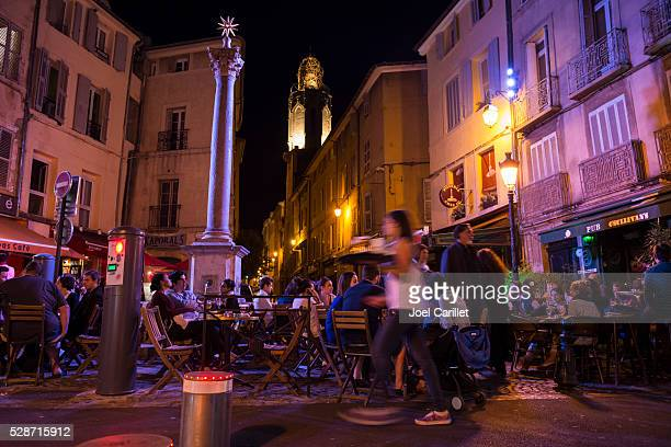nightlife in aix-en-provence, france - aix en provence stock pictures, royalty-free photos & images