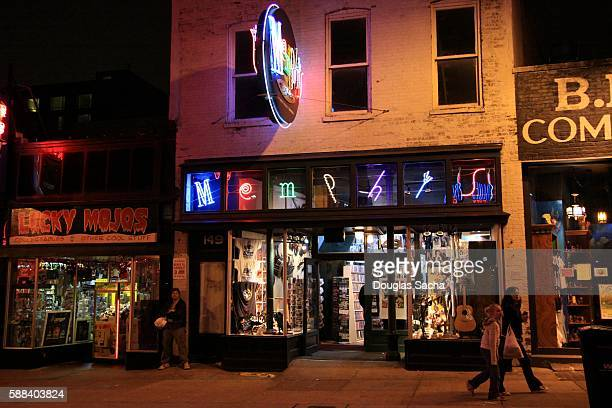 Nightlife on the the street, Beale Street, Memphis, Tennessee, USA