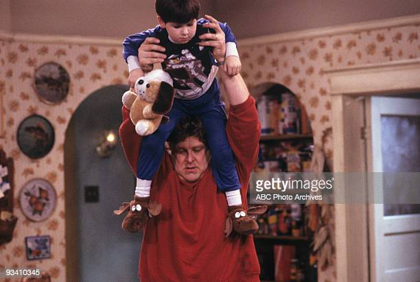 ROSEANNE 'Nightmare on Oak Street' 2/14/89 Michael Fishman John Goodman