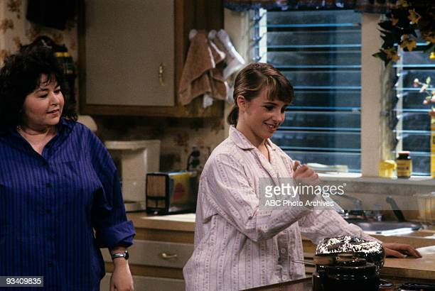 ROSEANNE 'Nightmare on Oak Street' 2/14/89 Roseanne Barr Alicia Goranson