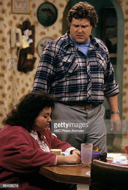 ROSEANNE 'Nightmare on Oak Street' 2/14/89 Roseanne Barr John Goodman