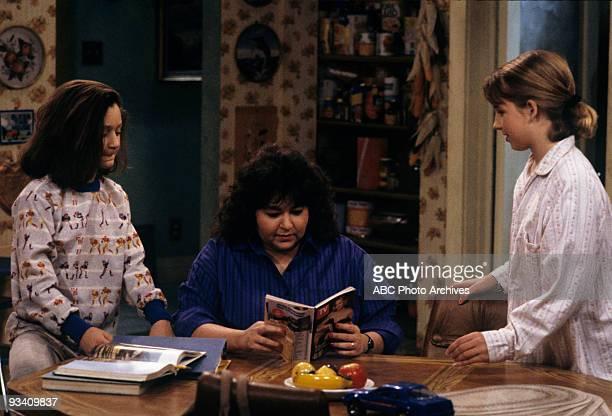ROSEANNE 'Nightmare on Oak Street' 2/14/89 Sara Gelbert Roseanne Barr Alicia Goranson