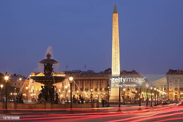 nighttime image of the place de la concorde - place de la concorde stock pictures, royalty-free photos & images