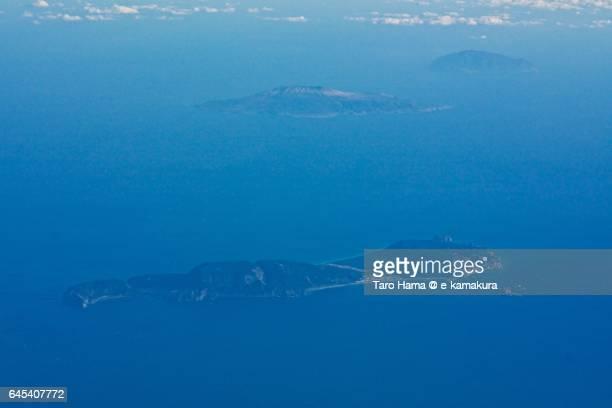 niijima, miyakejima and mikurajima islands aerial view from airplane - 太平洋 ストックフォトと画像