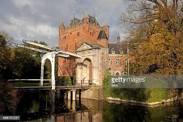 nijenrode business university, nyenrode castle, breukelen, the netherlands - moat stock pictures, royalty-free photos & images