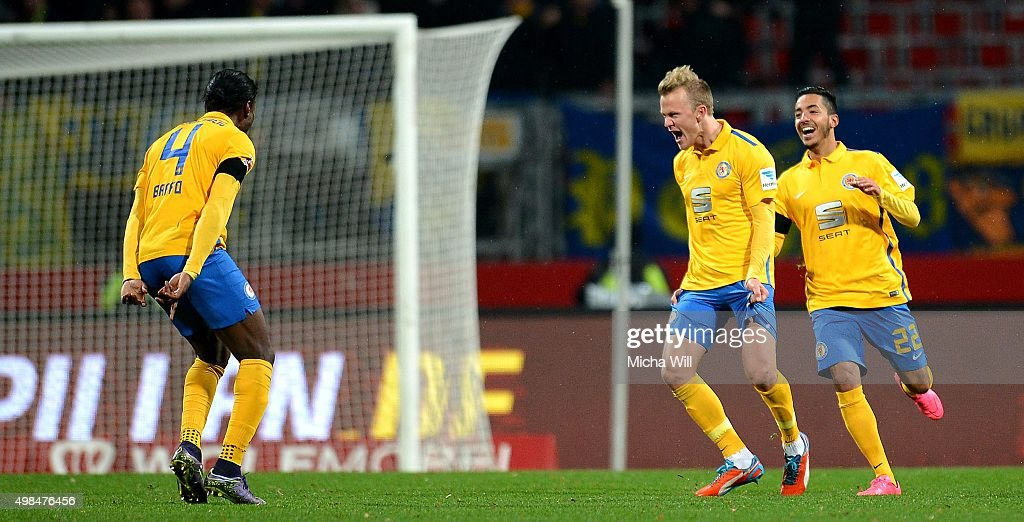 Nik Omladic (C) of Braunschweig celebrates after scoring his team's first goal during the Second Bundesliga match between 1. FC Nuernberg and Eintracht Braunschweig at Grundig-Stadion on November 23, 2015 in Nuremberg, Germany.