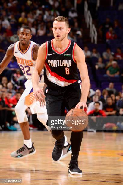 Nik Stauskas of the Portland Trail Blazers handles the ball against the Phoenix Suns during a preseason game on October 5 2018 at Talking Stick...
