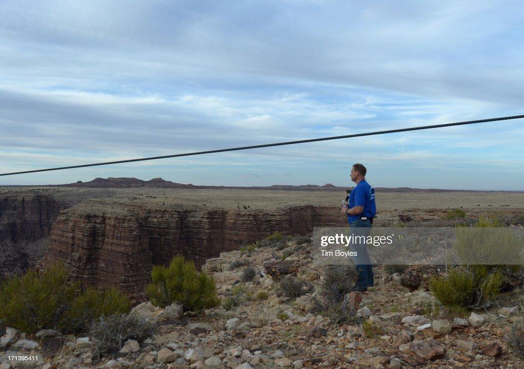 Tightrope Walker Nik Wallenda Walks Across The Grand Canyon Photos ...