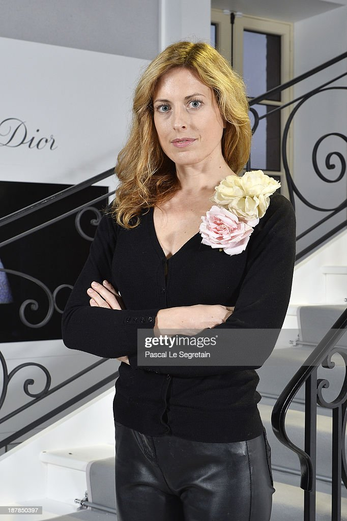 Estragos influenza cómo utilizar  Nika Zupanc attends 'Esprit Dior, Miss Dior' Exhibition Opening in... Photo  d'actualité - Getty Images