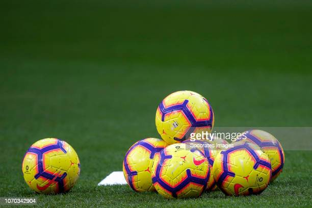 Nike Ball La Liga during the La Liga Santander match between Atletico  Madrid v Deportivo Alaves 429207bf820