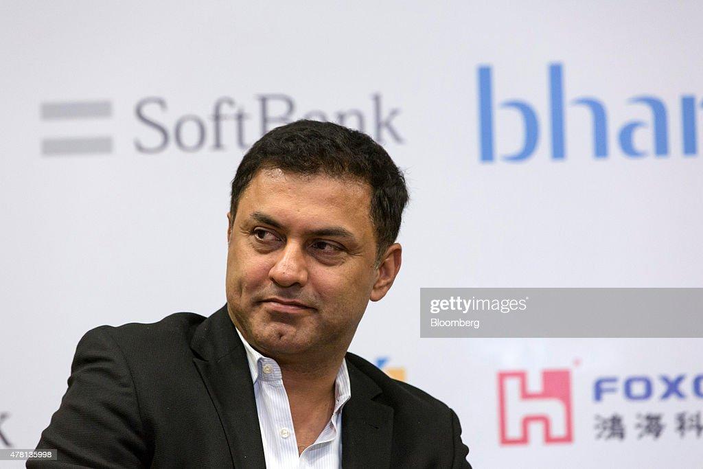 Sunil Bharti Mittal, Chairman of Bharti Enterprises Ltd., And Masayoshi Son, Chairman of SoftBank Corp., News Conference