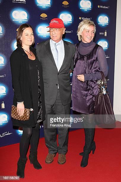 Niki Lauda Und Ehefrau Birgit Mit Begleitung Bei Der Verleihung Des Gq Men Of The Year Im Haus Der Kunst In München