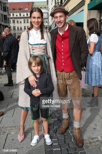 Nikias Hofmann Heart Club and his wife Jelena and his son Aeneas during the 'Fruehstueck bei Tiffany' at Tiffany Store ahead of the Oktoberfest on...