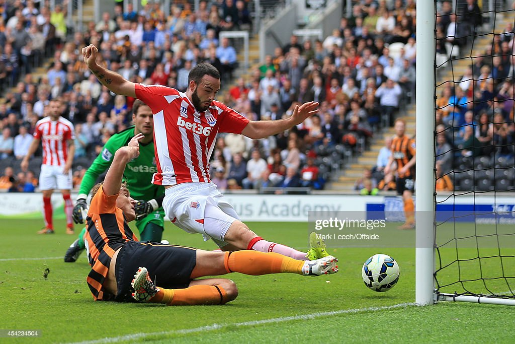 Hull City v Stoke City - Premier League : News Photo