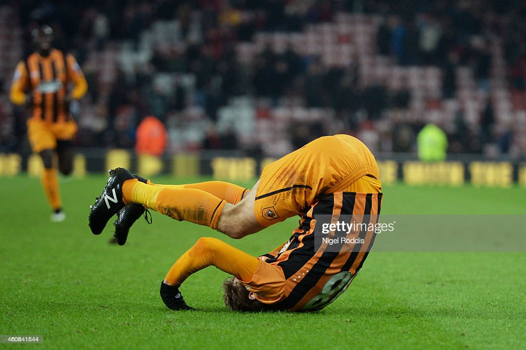 Nikica Jelevic of Hull City celkebrates after scoring his team's third goal during the Barclays Premier League match between Sunderland and Hull City at the Stadium of Light on December 26, 2014 in Sunderland, England.