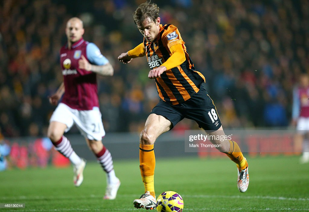Nikica Jelevic of Hull City scores the opening goal during the Barclays Premier League match between Hull City and Aston Villa at the KC Stadium on February 10, 2015 in Hull, England.