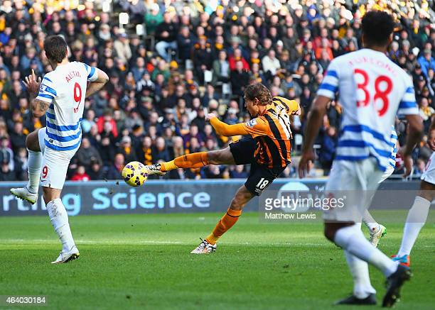 Nikica Jelevic of Hull City scores their first goal during the Barclays Premier League match between Hull City and Queens Park Rangers at KC Stadium...