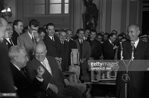 Nikita Khrushchev And His Wife In Official Visit To France France 28 mars 1960 Nikita Sergueïevitch KHROUCHTCHEV Premier secrétaire du Comité central...