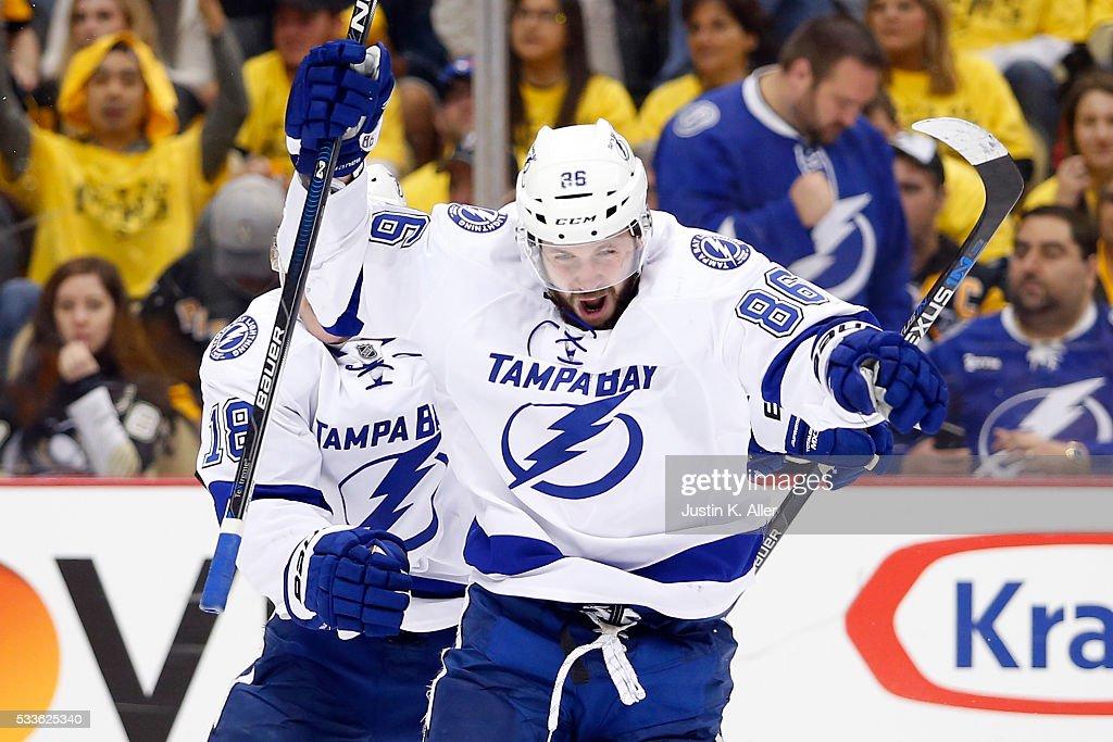 Tampa Bay Lightning v Pittsburgh Penguins - Game Five : News Photo