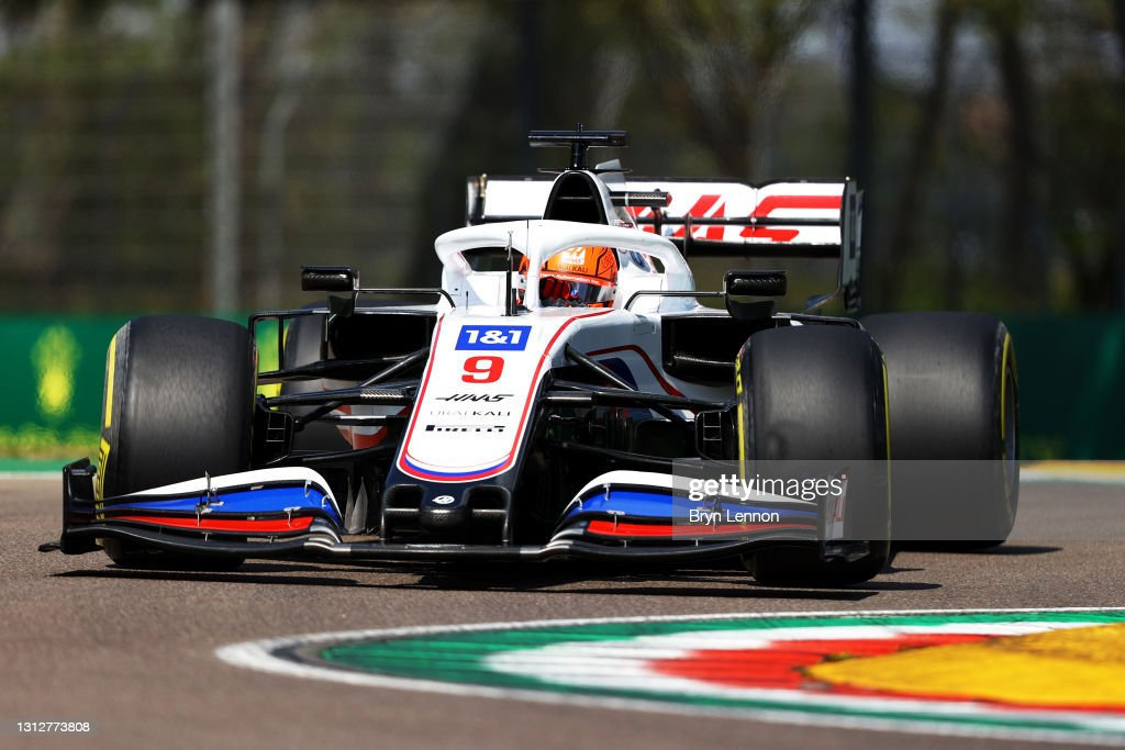 F1 Grand Prix of Emilia Romagna - Practice : News Photo