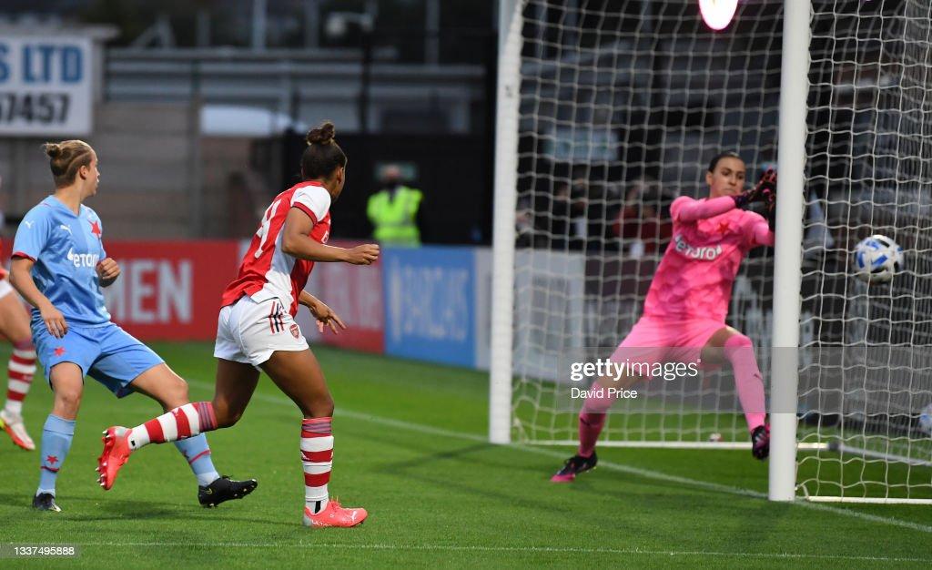 Arsenal v Slavia Prague - UEFA Women's Champions League : News Photo