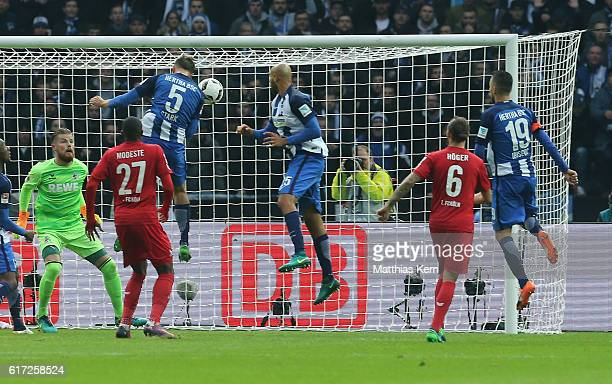 Niklas Stark of Berlin scores the third goal during the Bundesliga match between Hertha BSC and 1 FC Koeln at Olympiastadion on October 22 2016 in...