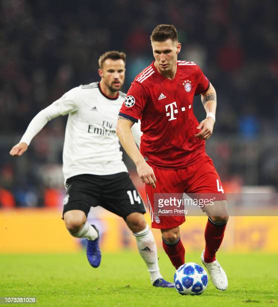 Niklas Suele of Bayern Munich controls the ball during the Group E match of the UEFA Champions League between FC Bayern Muenchen and SL Benfica at...