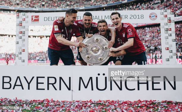 Niklas Suele of FC Bayern Muenchen Sandro Wagner of FC Bayern Muenchen Thomas Mueller of FC Bayern Muenchen and Sebastian Rudy of FC Bayern Muenchen...