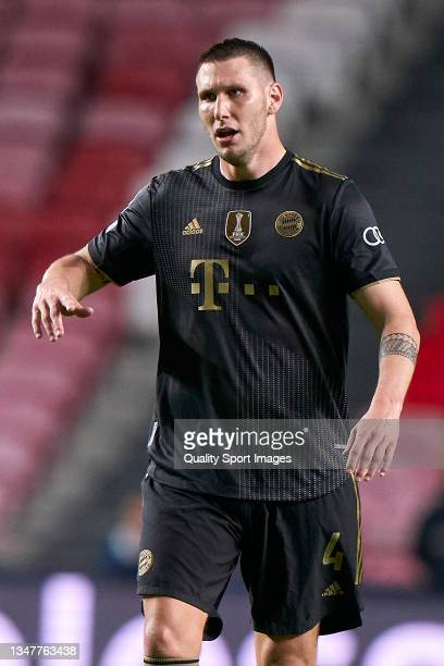 Niklas Sule of Bayern München reacts during the UEFA Champions League group E match between SL Benfica and Bayern München at Estadio da Luz on...