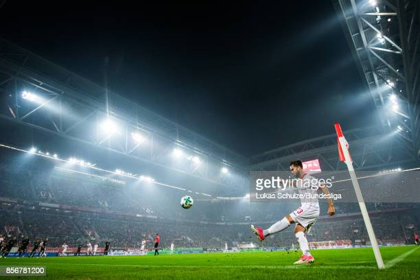 Niko Giesselmann of Duesseldorf kicks a corner during the Second Bundesliga match between Fortuna Duesseldorf and MSV Duisburg at EspritArena on...
