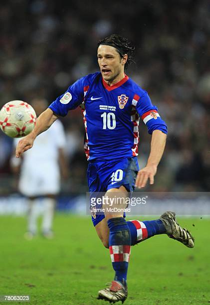 Niko Kovac of Croatia in action during the Euro 2008 Group E qualifying match between England and Croatia at Wembley Stadium on November 21 2007 in...