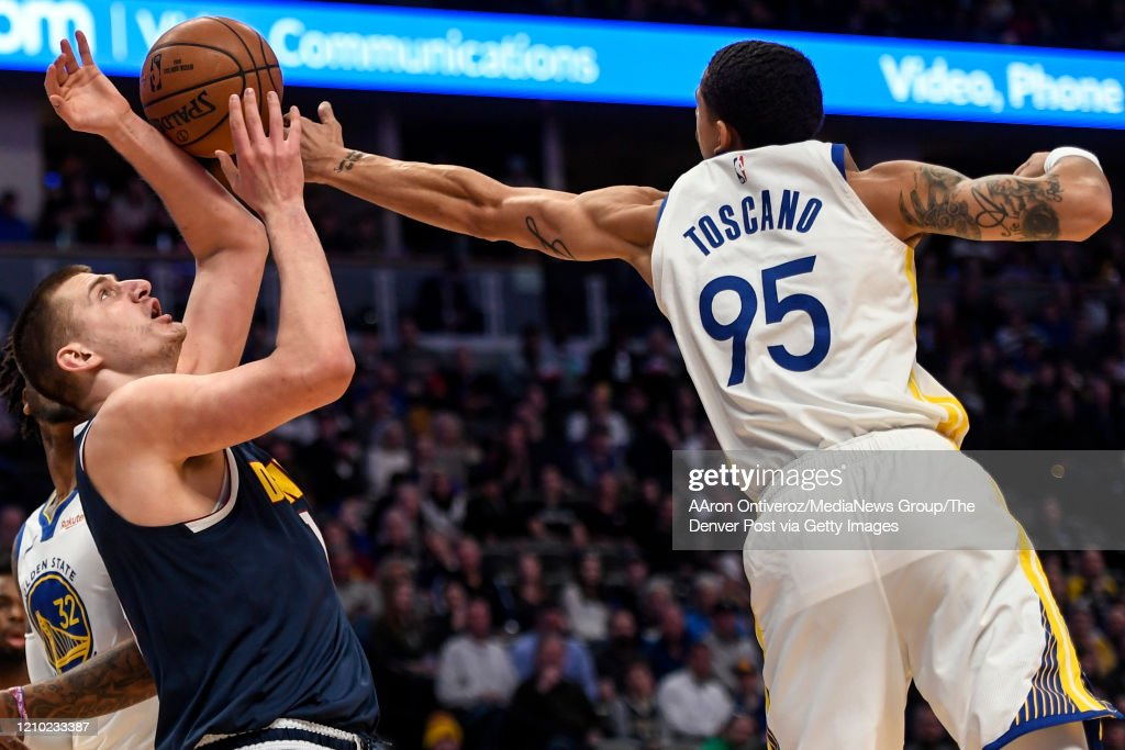 DENVER NUGGETS VS GOLDEN STATE WARRIORS, NBA REGULAR SEASON : News Photo