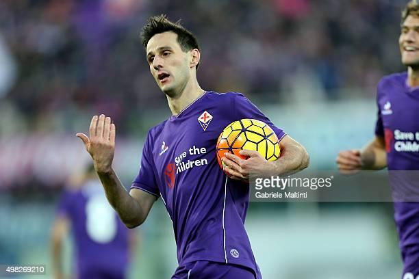 Nikola Kalinic of ACF Fiorentina celebrates after scoring a goal during the Serie A match between ACF Fiorentina and Empoli FC at Stadio Artemio...