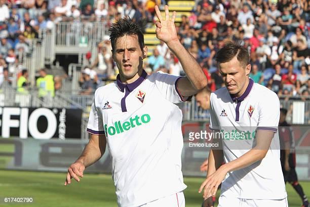 Nikola Kalinic of Fiorentina celebrates the goal 15 during the Serie A match between Cagliari Calcio and ACF Fiorentina at Stadio Sant'Elia on...
