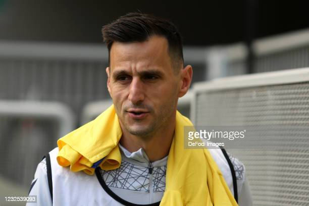Nikola Kalinic of Hellas Verona Fc warm up prior to the Serie A match between FC Internazionale and Hellas Verona FC at Stadio Giuseppe Meazza on...